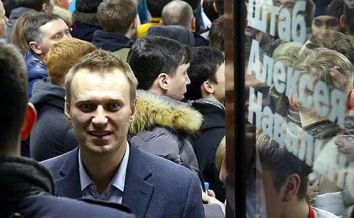 Навальный: Марш на фарш, бараны! Я грудью постою – за вашими спинами