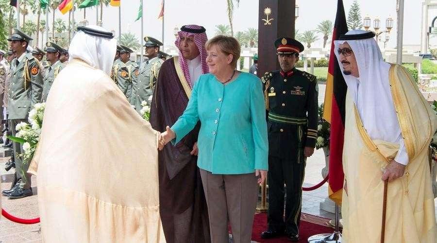 Газпром улыбается а фрау Меркель с Катаром не до смеху
