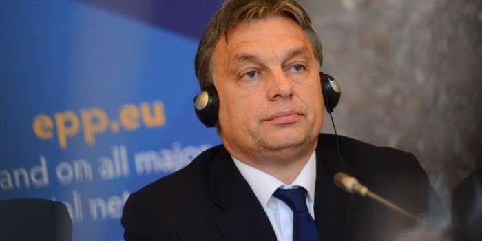 Премьер-министр Венгрии Виктор Орбан обвинил Евросоюз в содействии террористам