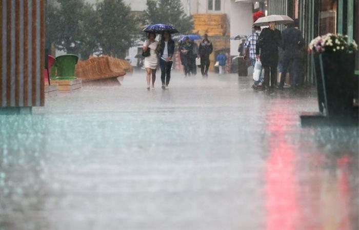 Москва: желтый уровень погодной опасности объявлен из-за дождей и гроз