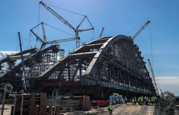 Крымский Мост: журналисты из 10 стран посетили площадку строящегося моста