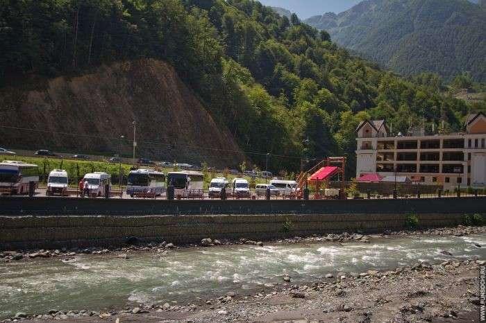 Пляж на курорте Роза Хутор