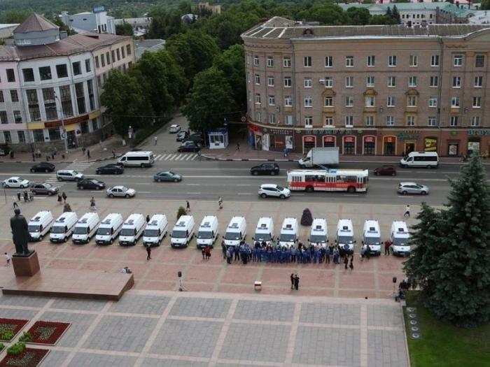 В Брянске больницы получили 19 новых машин «скорой помощи»