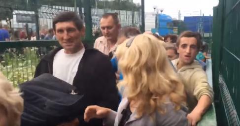 Обезумевшие от счастья «безвиза» украинцы штурмуют польскую границу