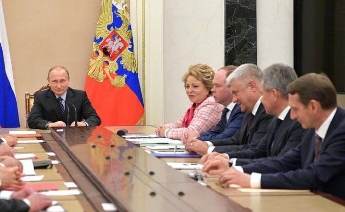 Сергей Шойгу сообщил об уничтожении группы террористов, среди которых находились главари ИГИЛ