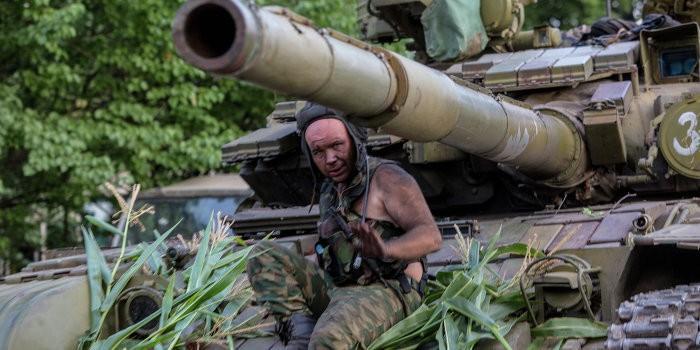 Украинские каратели пошли в рукопашную схватку