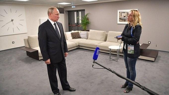 Владимир Путин ответил на вопросы журналистов перед началом первого матча Кубка конфедераций