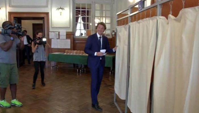 Во Франции стартовал второй тур парламентских выборов