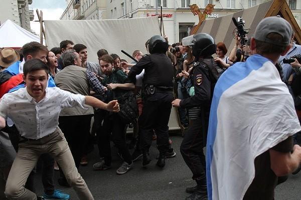 Бунт мажоров и миллион доносов. Кого «оклеветал» Владимир Соловьев?