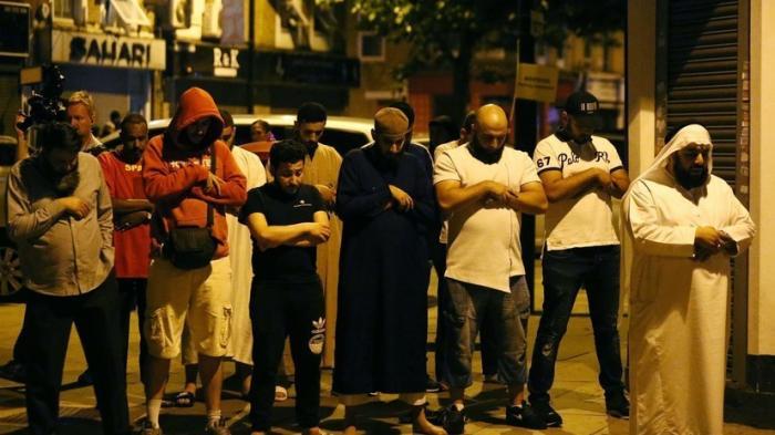Лондон, теракт: фургон въехал в толпу мусульман возле мечети