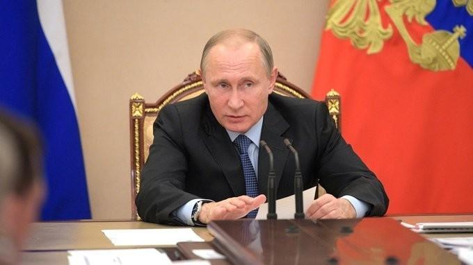 Владимир Путин провёл в Кремле совещание по экономическим вопросам и демографической политике