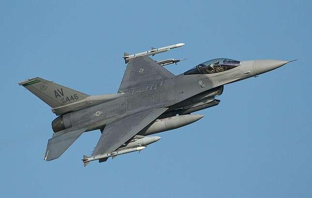 Коалиция бандитов США передислоцировала свои самолёты в Сирии после российского предупреждения