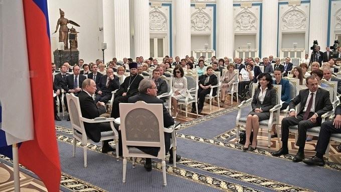 Владимир Путин встретился в Кремле с членами Общественной палаты VI состава