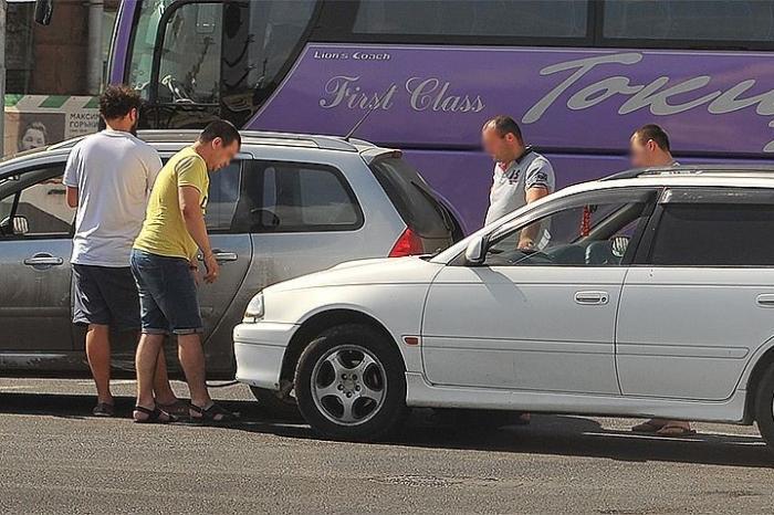 Автоподстава: как в Москве водителей разводят на деньги