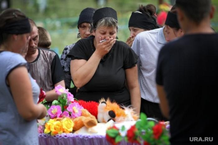 Кто стоит за «группами смерти» и сколько платят куратору за каждый детский суицид?