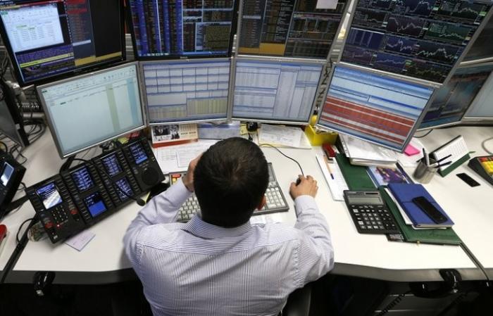 Американские и британские инвесторы купили евробонды Минфина РФ поровну