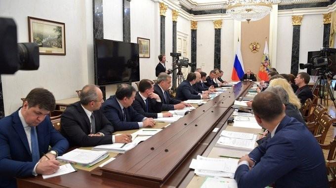 Владимир Путин провёл совещание по вопросам прав участников долевого строительства