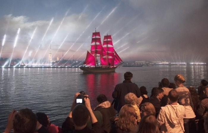 В Петербурге праздник «Алые паруса» посетят 80 тыс. гостей и миллионы зрителей