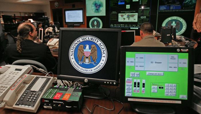 Обама в 2016 году дал указ внедрить «цифровую бомбу» в инфраструктуру России