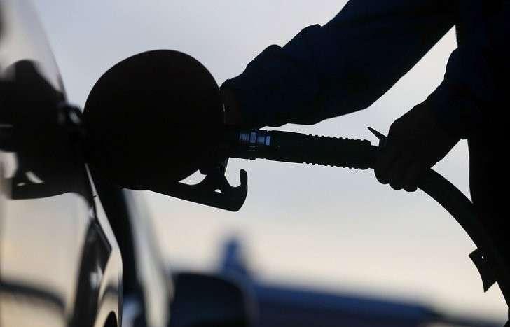 Штрафы против плохого бензина: правительство усилит борьбу с некачественным топливом