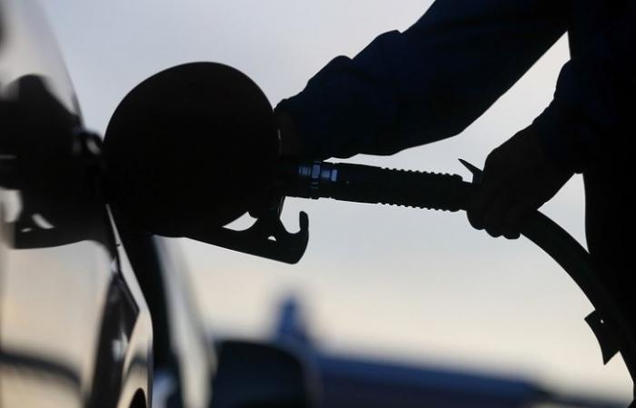 Правительство России усилит борьбу с жуликами, торгующими некачественным топливом