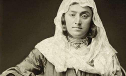 Представительница ханского рода из Казикумуха. до 1883 гг. Фото предоставлены организаторами выставки.