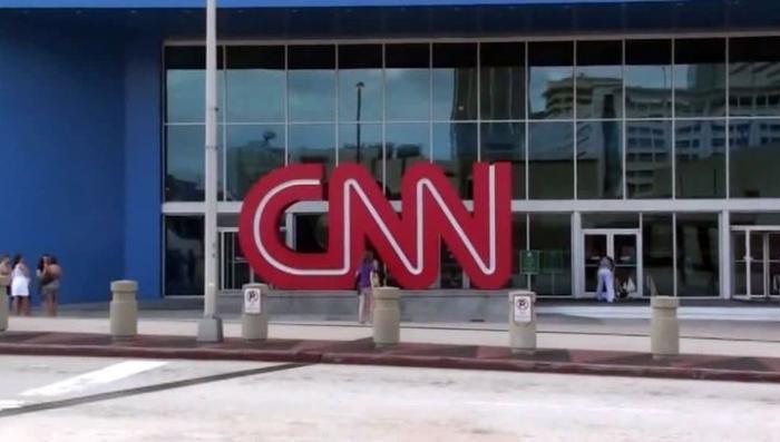 """В CNN скандал за """"фейковую""""новость о России"""