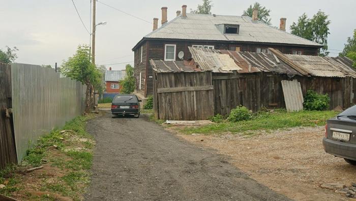 Владимир Путин посетит ветхое жилье в Ижевске, на которое жаловалась жительница