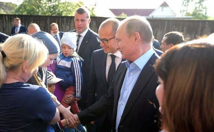 Владимир Путин лично посетил аварийный дом вИжевске