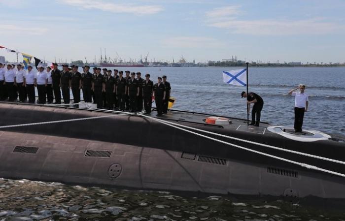 В Петербурге на военно-морском салоне покажут систему доступа в интернет с подлодок РФ