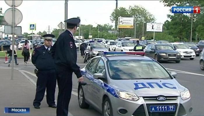 Безмозглые пьяные студенты на «Мерседесе» стали причиной страшной аварии на Кутузовском