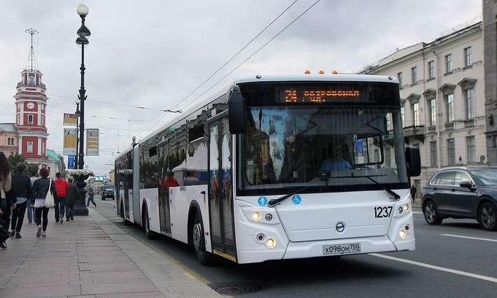 ЛиАЗ поставил наиспытания вСанкт-Петербург новую модель автобуса ЛиАЗ-621365
