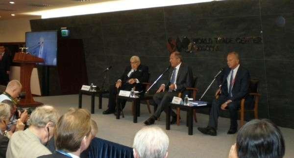 Сергей Лавров и Генри Киссинджер совместно выступили на форуме «Примаковские чтения»