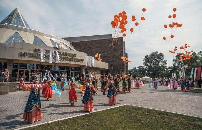 Крупнейший заУралом музейно-культурный комплекс открыт официально встолице Хакасии