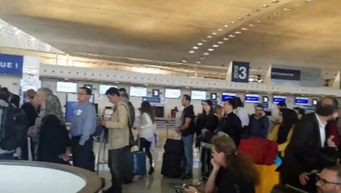 Во Франции эвакуирован терминал аэропорта Шарль де Голль из соображений безопасности