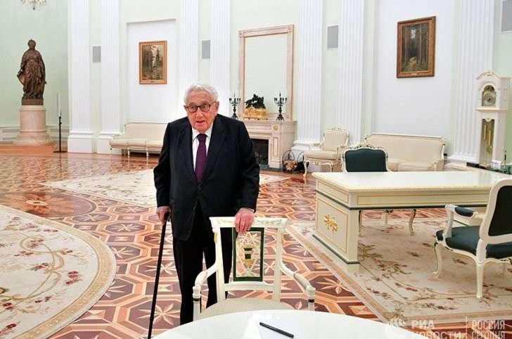 Генри Киссинджер как канал связи Трампа с Путиным