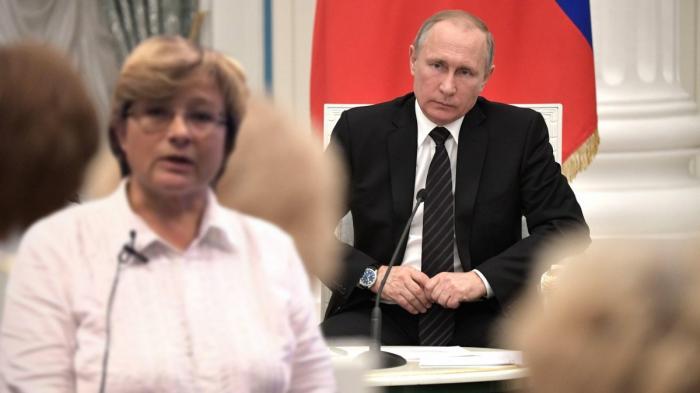 Как член Общественной палаты Элина Жгутова задавала вопрос Путину о ювенальной юстиции