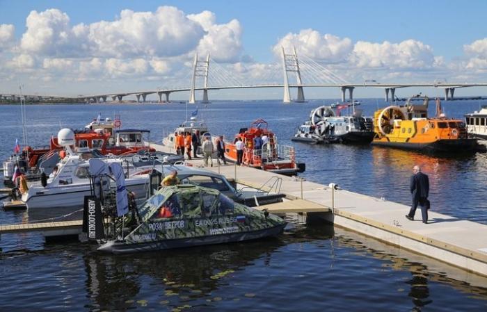 Более 100 тысяч гостей посетили международный военно-морской салон в Санкт-Петербурге