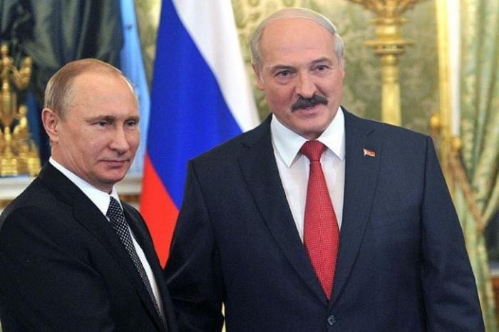 Президент Владимир Путин поздравил Александра Лукашенко с Днём независимости Белоруссии