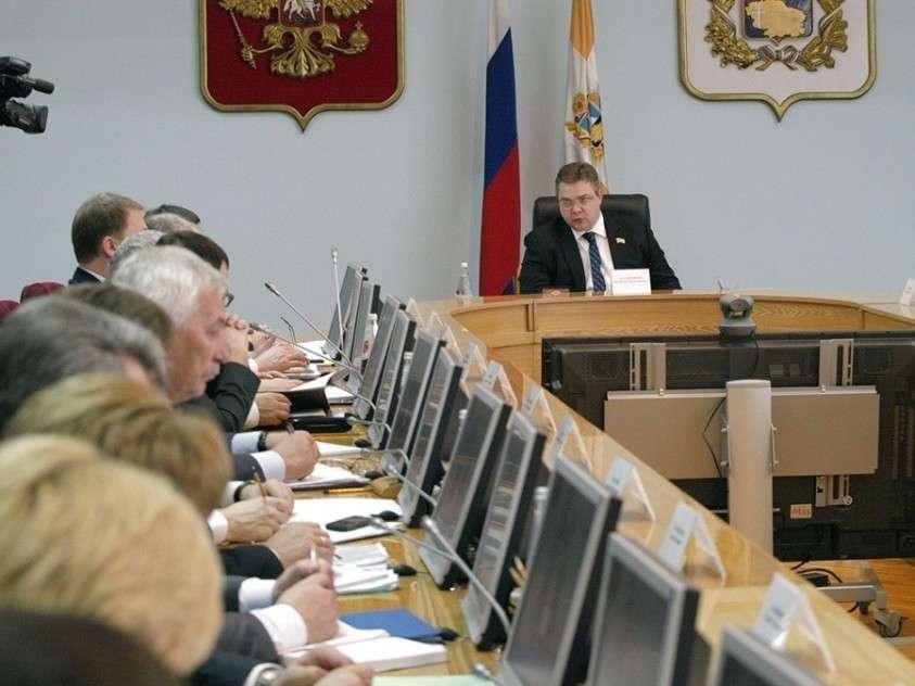 США давно травят россиян биологическим оружием – новое откровение Эдварда Сноудена