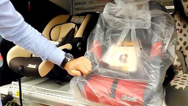 Дети от 7 до 12 лет могут ездить на заднем сиденье автомобиля без автокресла