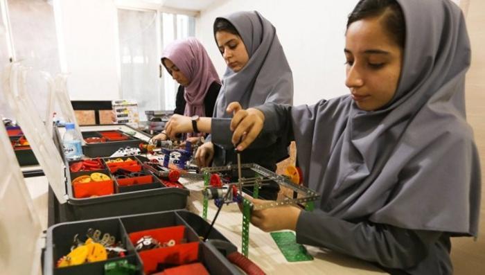 США не пускают на соревнование по робототехнике команду девочек из Афганистана