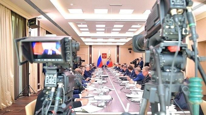 Владимир Путин провёл заседание на тему «Цифровая экономика»