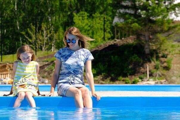 Комплекс открытых бассейнов открылся наозере АявГорном Алтае
