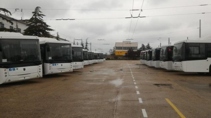 В Севастополе на улицы вышли 25 новых газовых автобусов НЕФАЗ