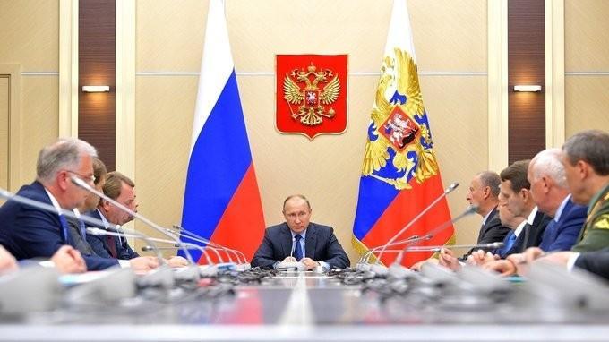 Владимир Путин провёл заседание Комиссии по вопросам военно-технического сотрудничества
