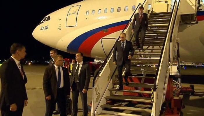 Самолёт Президента России Владимира Путина приземлился в Гамбурге