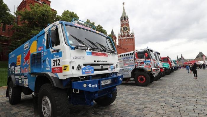 В Москве, на Красной площади дан старт ралли-рейду «Шелковый путь»