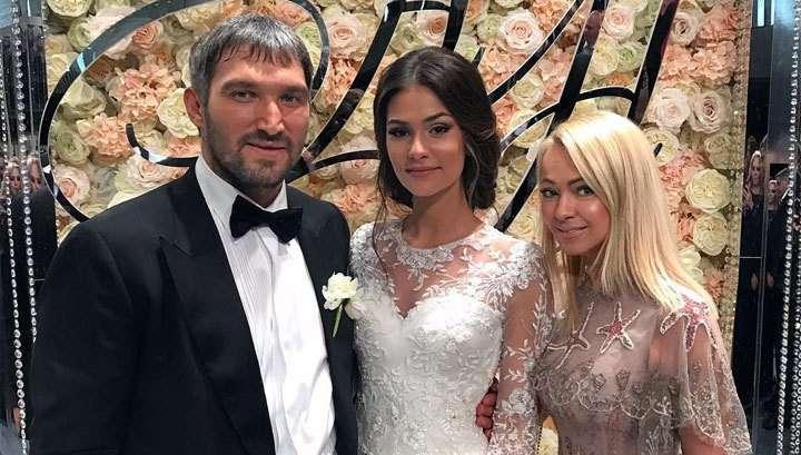 Владимир Путин лично поздравил со свадьбой хоккеиста Овечкина
