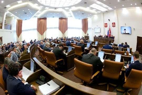 Красноярск: удвоение депутатских зарплат оказалось «декларацией о намерениях»